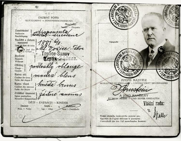Cestovní pas Viktora Arnsteina, 30. léta 20. století (NA ČR, fond Policejní ředitelství v Praze, 1931-40, sign. A493/30)